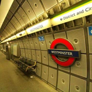 Die Londoner Ungderground ist die älteste in der Welt!