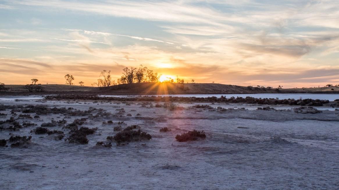 Sonnenuntergang über den Pink Lakes