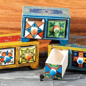 Apothekerschränkchen mit 3 Schubladen aus Keramik