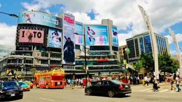 kleiner Times Square in Toronto