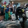 Thomas, Kathleen, Martha, Bruce & Elspeth hosten uns in Madison gleich für mehrere Wochen. Endlich Zeit, sich von den Reisestrapazen zu erholen, die Mopeds zu reparieren und einen ersten Fotokurs zu besuchen! Außerdem danken wir für all die seelische und moralische Unterstützung und das grandiose Essen!