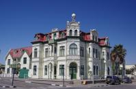 In Swakopmund steht manches imposante Gebäude.