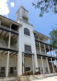 und geschichtsträchtige Gebäude bestimmen das Stadtbild von Sansibars Stonetown.