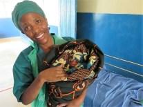 ... und ihr erstes Kaiserschnittbaby. (Foto: Dr. Karl Eiter)