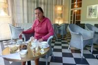 ... was täglich zum legendären Afternoon Tea lädt.