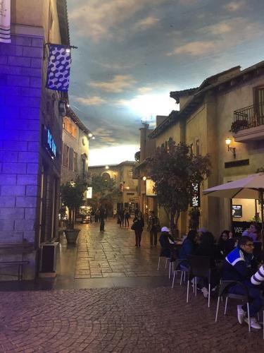 Die Abenddämmerung am italienischen Himmel ist perfekt nachgestaltet.