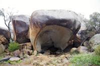 Mit den Wolken kam auch der Regen. Das Hippomaul gewährte uns trockenen Unterschlupf bei einem heftigen Schauer.