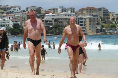 Am legendären Bondi Beach in Sydney bekommen wir Lust auf Meer...