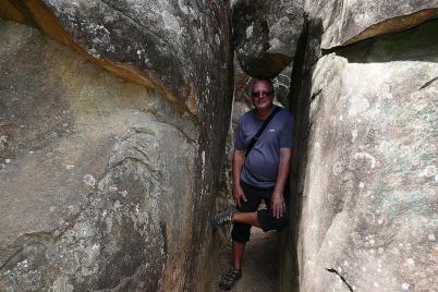 Wandern in der Cataract-Schlucht: Der Stein blieb zum Glück rechtzeitig stecken.