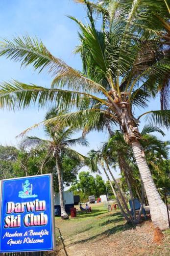 In Darwin gibt es einen Skiclub unter Palmen.