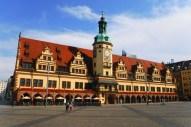 Freie Sicht auf das Alte Rathaus hat man eher selten. Meist finden auf dem Markt davor Veranstaltungen statt.
