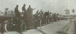 Kolonne von Minerva-Panzerwagen