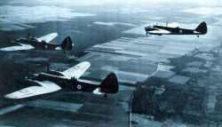 Ein Trio von Bristol Blenheim IV Bombern