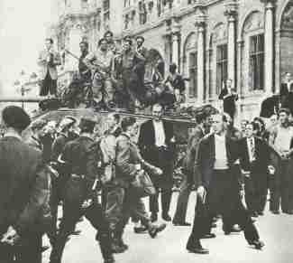 deutsche Gefangene i Paris 1944