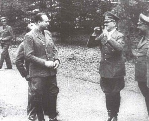 Hitlers Freudentanz nach Waffenstillstand mit Frankreich