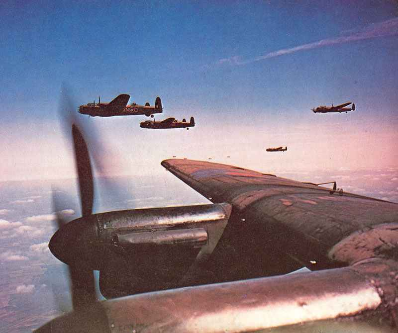 Formation von Lancaster-Bombern