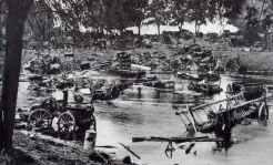 Vernichtete polnische Transportkolonne in der Bzura