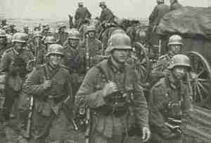 Deutsche Infanterie auf dem Vormarsch