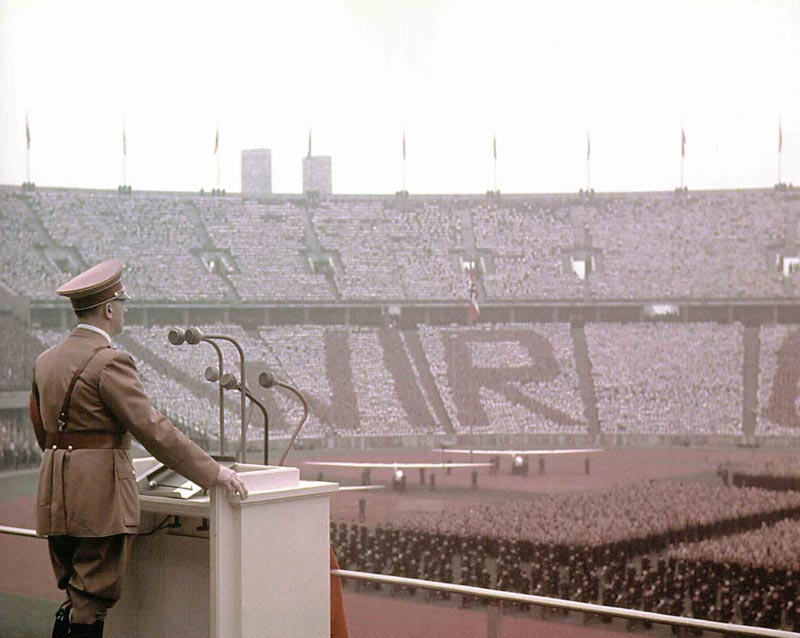 Hitler im Olympiastadion