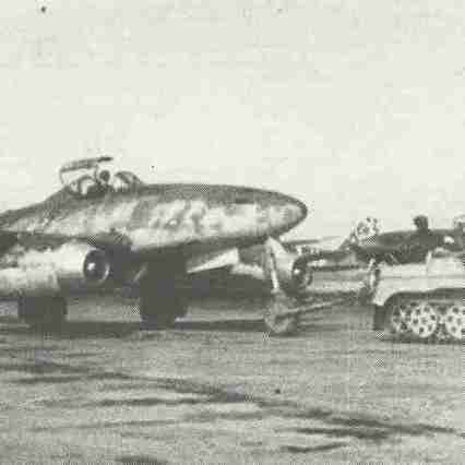 Me 262 von Kettenrad gezogen