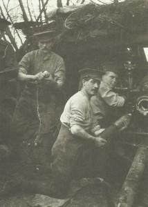 Britische Artilleristen bei Ypern
