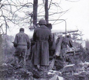 155mm M12 GMC Selbstfahrlafette im Hürtgenwald