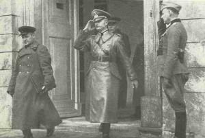 Begegnung deutscher und russischer Offiziere in Polen