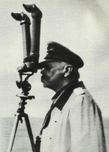 Hindenburg am Scherenfernrohr