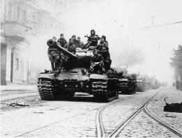Josef Stalin 2 Panzer in Berlin, 1945