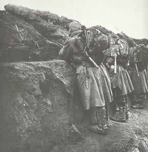 Österreich-ungarische Soldaten besetzen den Schützenauftritt