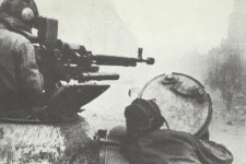 Russischer Jagdpanzer Strassenkampf Berlin