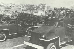 BM-31 mit M-30-Raketen auf Studebacker-LKW