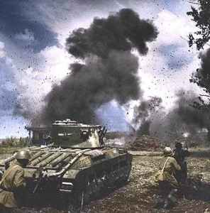 Matilda-Panzer im Kampfeinsatz in Russland.