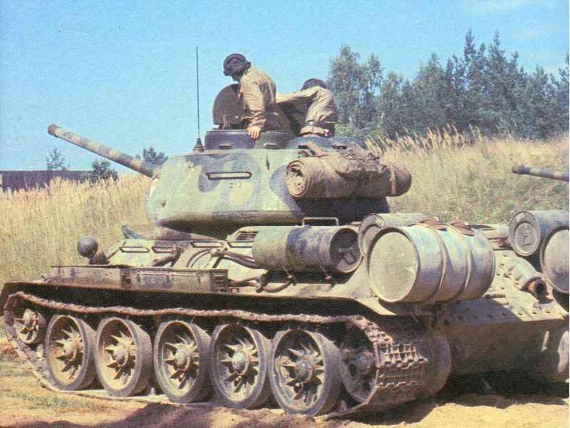 Farbfoto T-34/85