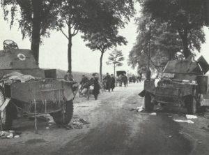 zerstörte Panhard-Spähwagen
