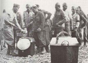 Italienische Kriegsgefangene in der Nähe von Addis Abeba