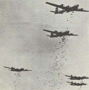 Abwurf von Brandbomben durch B-29
