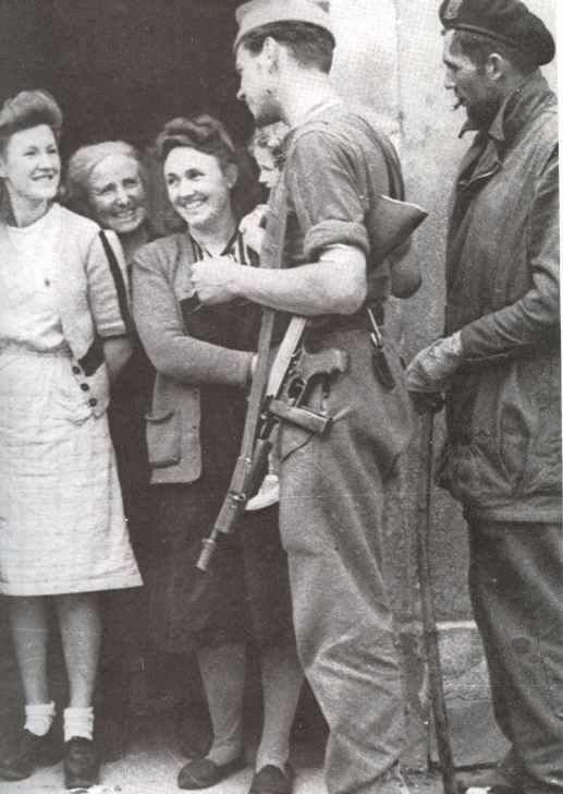 Französische Kommandos, bewaffnet mit der Thompson M1A1