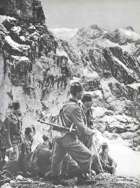 Waffen-SS-Divisionen 13-19 - Weltkrieg