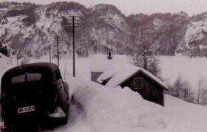 Wehrmachts-PKW im Schnee