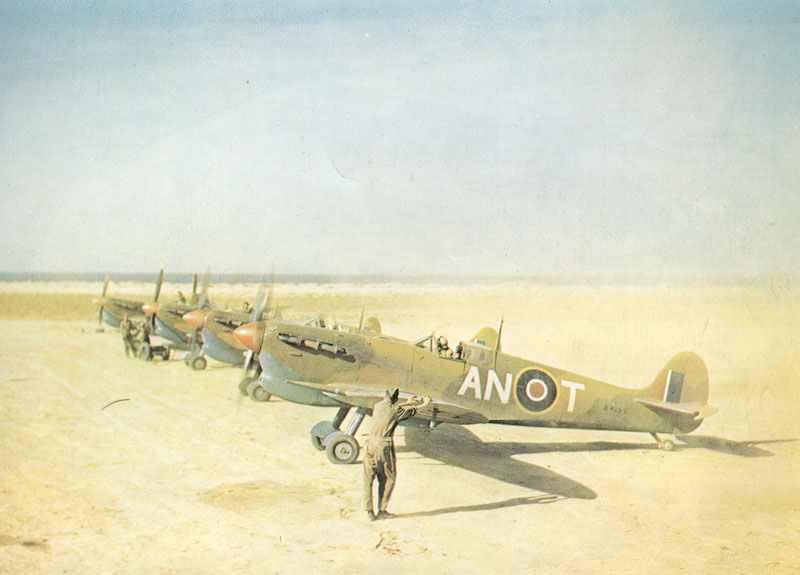 Spitfire VC mit Tropenfilter