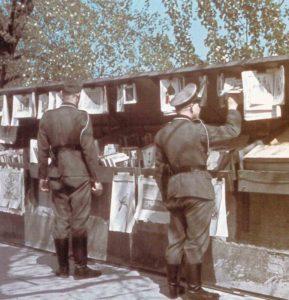 Kunstmarkt am linken Ufer der Seine