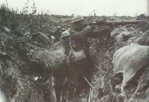 britischer Lewis-MG-Schütze