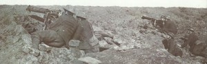 Briten mit erbeuteten MG 08