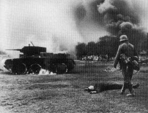 brennender BT-Panzer