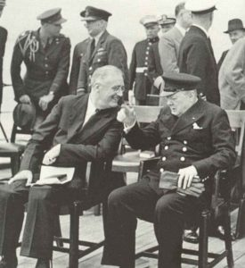 Roosevelt und Churchill an Bord der HMS Prince of Wales