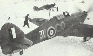 Hurricane-Jäger auf dem Flugplatz Vaenge in Nord-Russland