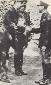 De Gaulle trifft Köng Georg VI. von Großbritannien.
