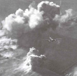 Fliegerangriff durch Ju 88 Kampflugzeuge