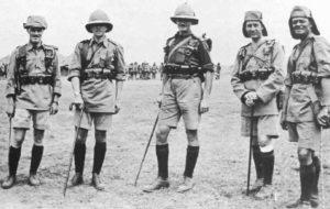 Offiziere der 'King's African Rifles'